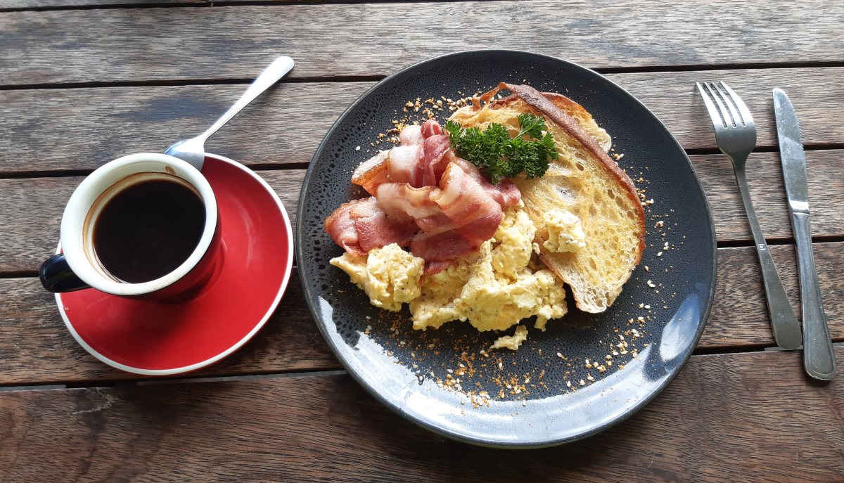 Tour Aotearoa 2020 - Marek Kuziel - Second breakfast is good for you!